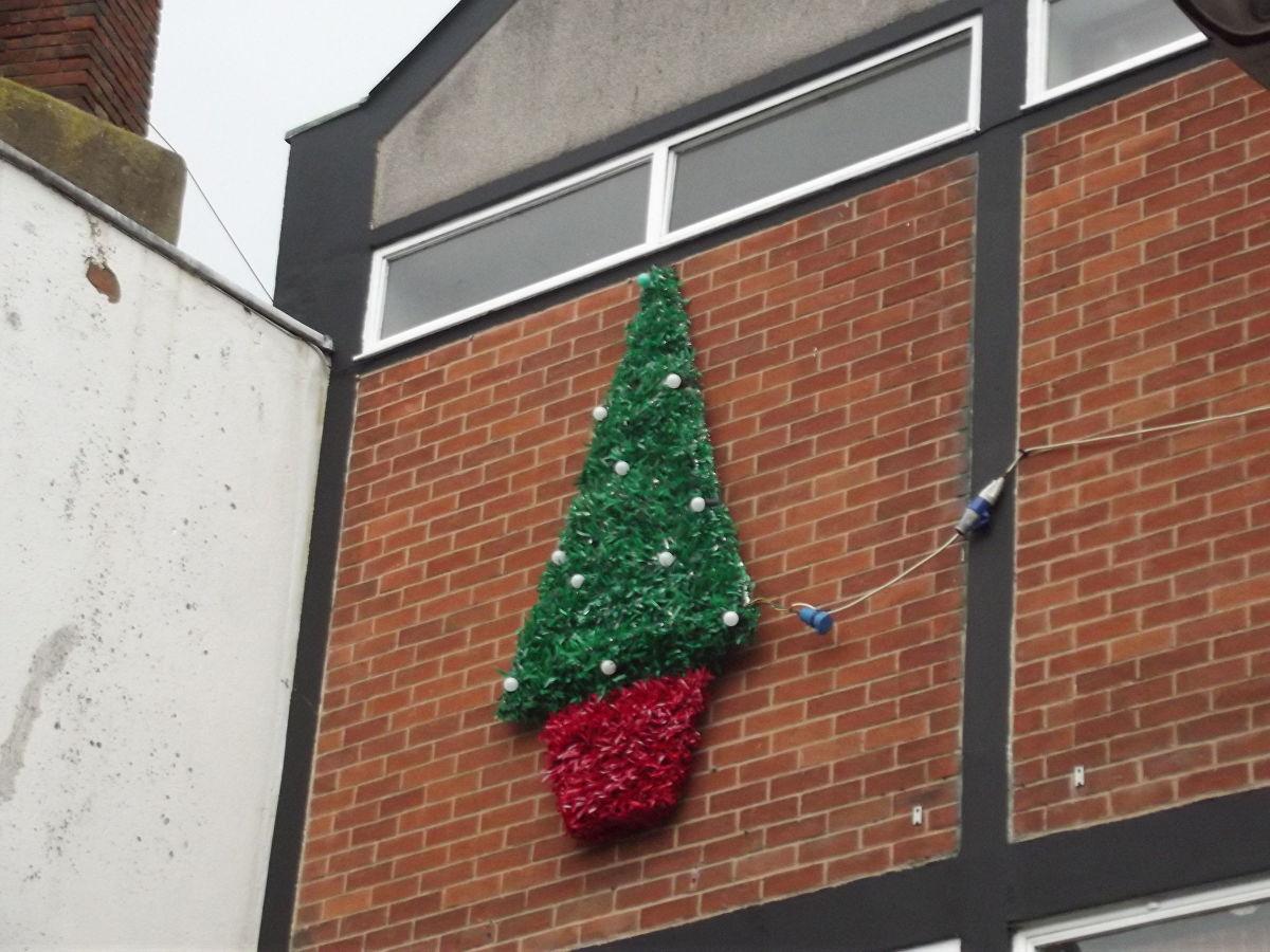 наружная новогодняя елка